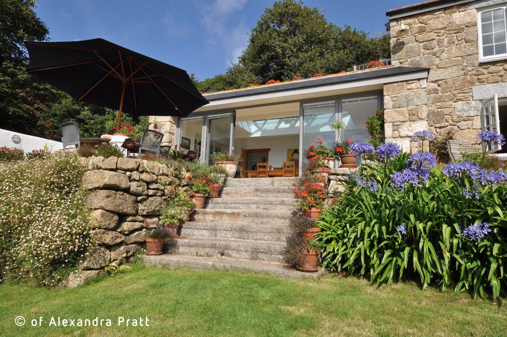 Stunning extension to traditional Cornish cottage | Architecture design by Ben White